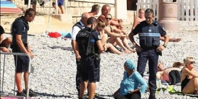 Acoso policial contra dos bañistas islámicas genera ola de indignación en Francia