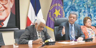 Leonel Fernández se reúne con secretariado del PLD