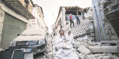 Terremoto en Italia deja más de 120 muertos