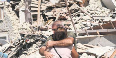 Muchas familias perdieron a sus hijos. Hay muchas víctimas infantiles. Foto: efe