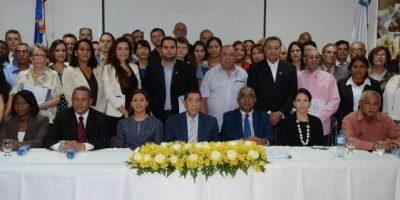 Interior y Policía juramenta a 59 extranjeros se nacionalizaron dominicanos
