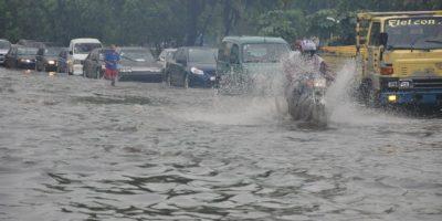 Más de 1,700 personas desplazadas por lluvias y 14 provincias en alerta