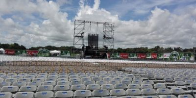 Saymon Díaz afirma que la lluvia no para a Romeo Santos esta noche