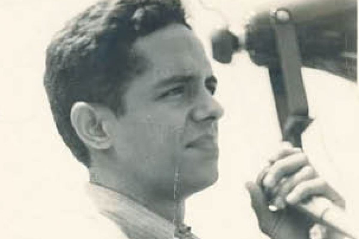 """1) El comienzo. Activista por herencia Cuando apenas contaba 13 años de edad, Hatuey De Camps y su hermano Miguel Antonio recibieron la instrucción de su padre, Miguel Ángel De Camps, quien estaba exiliado al final de la dictadura de Leonidas Trujillo, de fundar en Cotuí la filial del Partido Revolucionario Dominicano (PRD). """"Inscribe a 13 mil militantes en su ciudad natal y en los campos aledaños"""", según la biogra´fia oficial. Foto:Fuente Externa"""