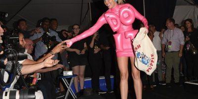 ¿Qué pasó con el joven desamparado que Miley llevó los VMAs 2014?