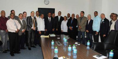 Ministro de Deportes intercambió ideas con los editores deportivos durante reunión