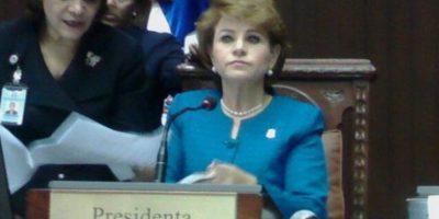 """Diputados exigen cumplir """"por ley"""" aumento salarial"""