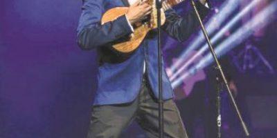 Andrés Cepeda dejó más enamorado a su público dominicano