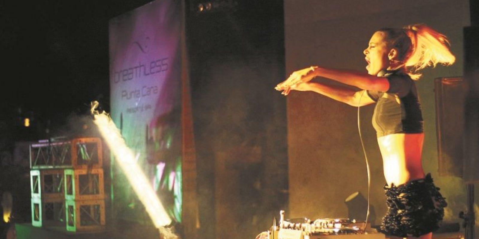 La Dj suiza Tanja La Croix hizo vibrar el público con las notas de su música elecrtónica. Foto:Fuente externa