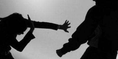 Policía sorprende a hombre armado y golpeando a su hija en Constanza
