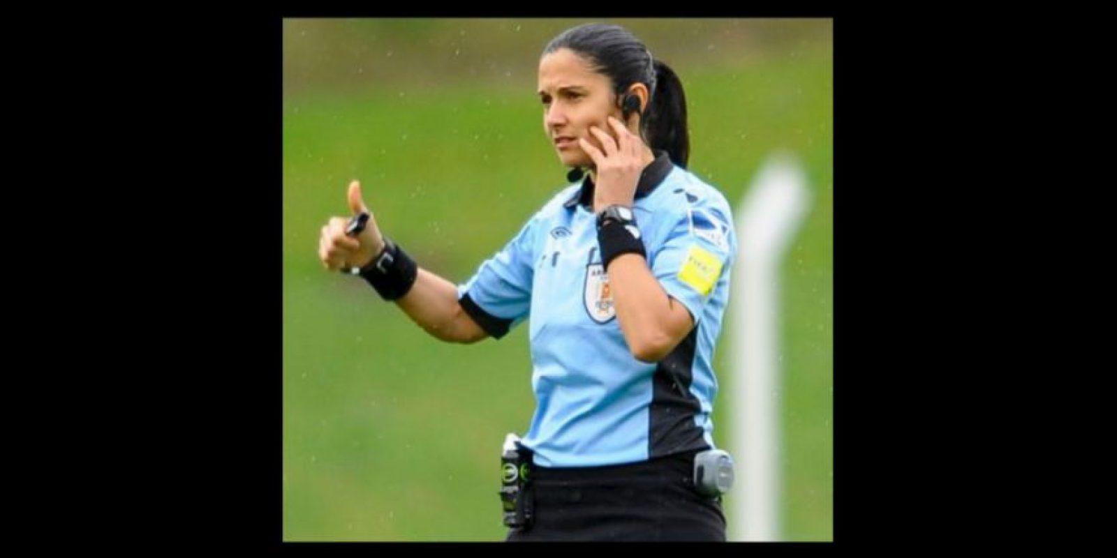 Claudia Umpiérrez se convirtió en la primera árbitro de Uruguay y América del Sur Foto:Twitter