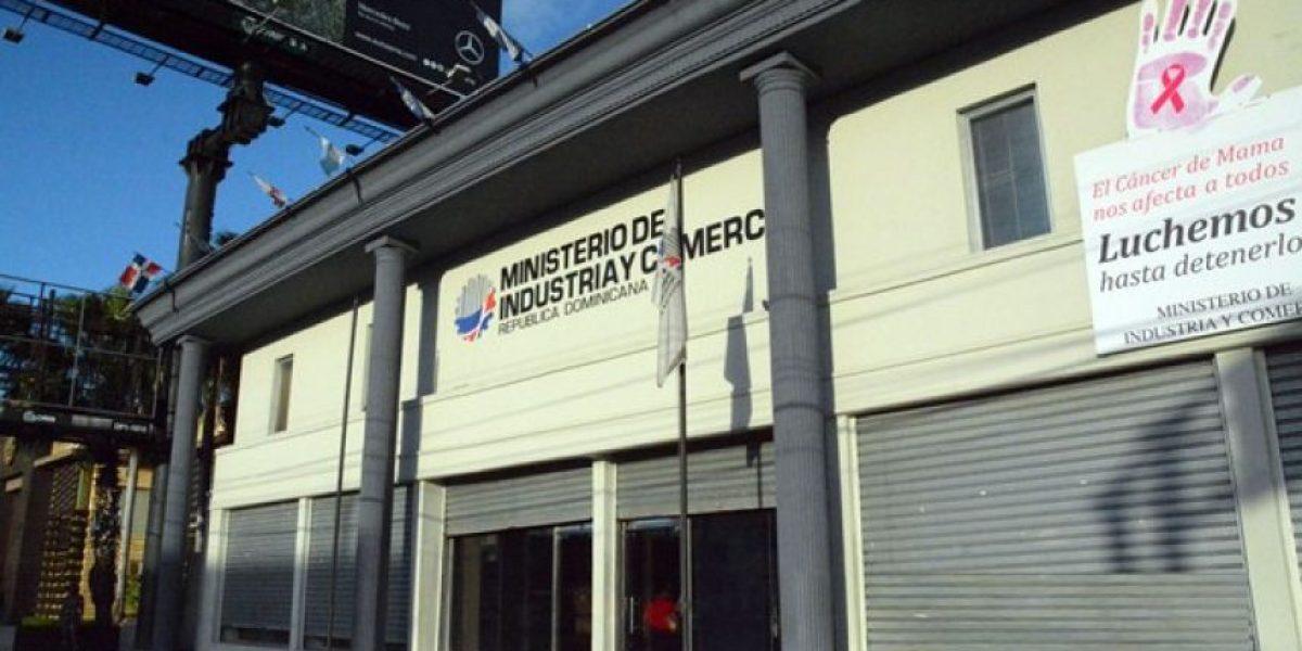Denuncian empleados de Industria y Comercio no han cobrado mes de agosto