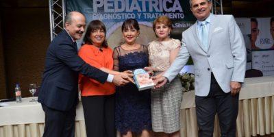 Presentan libro Dermatología pediátrica
