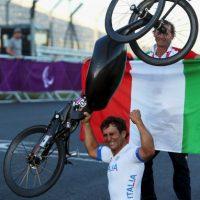 Alex Zanardi. El expiloto de Fórmula 1 es un campeón paralímpico Foto:Getty Images