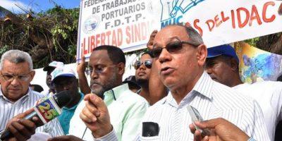 Protestas asedian a autoridades
