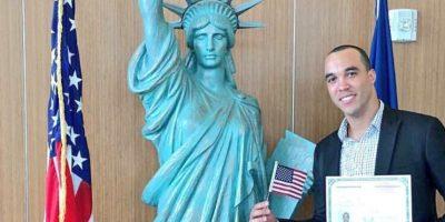 Ubaldo Jiménez ya es ciudadano de los Estados Unidos