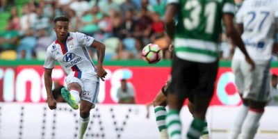 Abrió la goleada por 3 a 0 del Lyon ante Dinamo Zagreb Foto:Getty Images