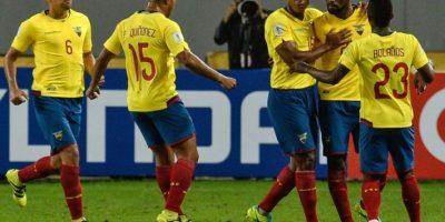 Getty Images Foto:Los ecuatorianos enfrentan a un golpeado Chile y luego jugarán ante Uruguay en el Centenario.