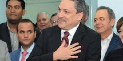 César Prieto asume como nuevo superintendente de Electricidad