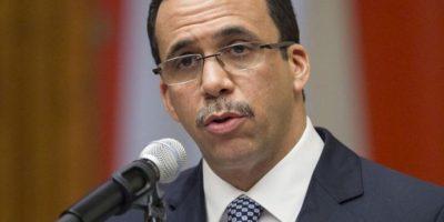 Navarro reúne directores para aunar esfuerzos contra deficiencias educación