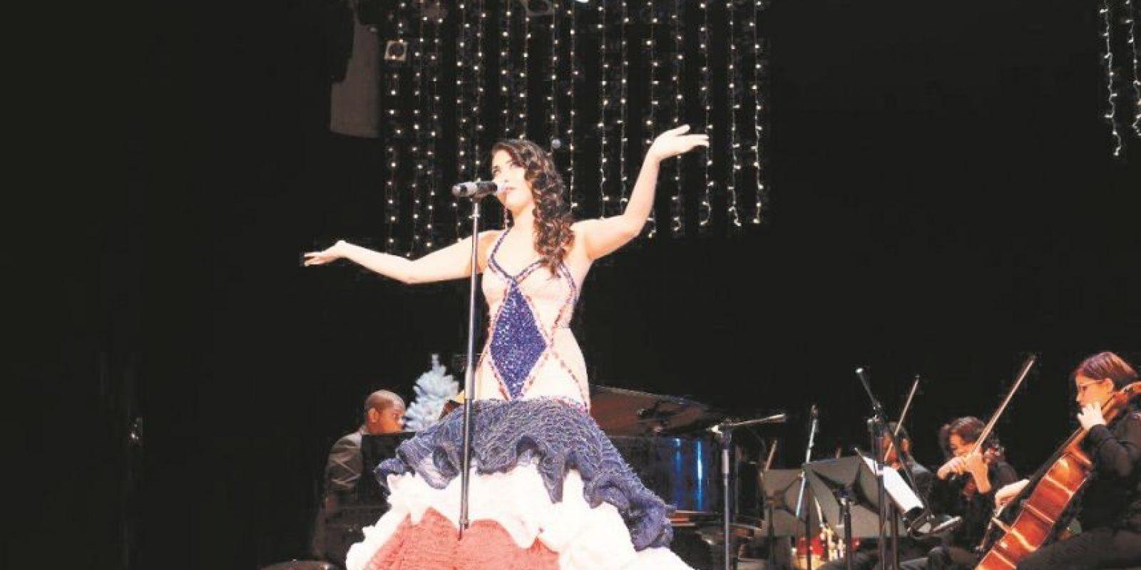 Janette Márquez se dejó seducir por la bachata. Foto:Fuente externa