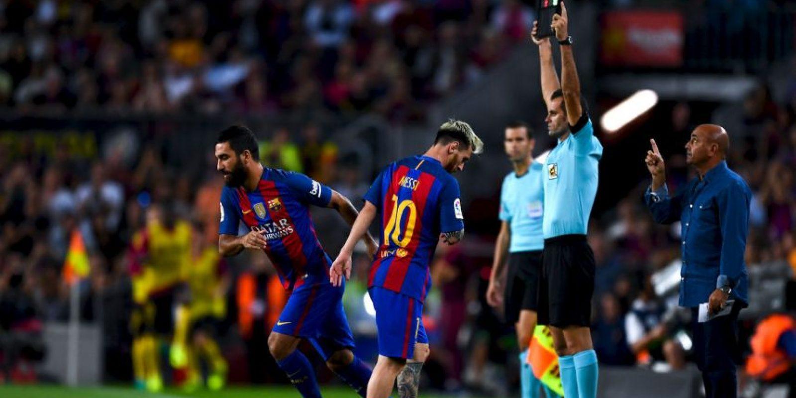 La lesión lo dejará tres semanas fuera de las canchas. Foto:Getty Images