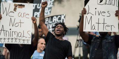 Manifestantes intentaron quemar vivo a camarógrafo en Estados Unidos