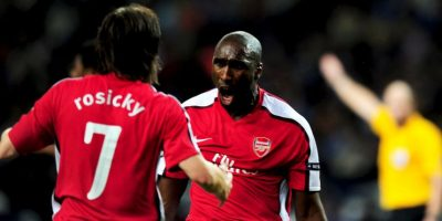 Sol Campbell aparece segundo Foto: Getty Images