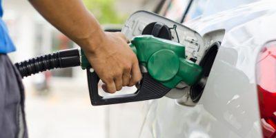Gasolinas y gasoil bajan de precio; GLP sube RD$2.50 el galón
