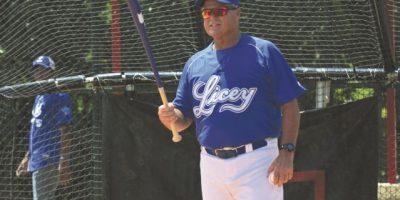 Mánager de los Tigres del Licey Pat Kelly y 35 jugadores en primera práctica