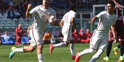 Pese a que en 2000/01 se coronó campeón de la Serie A con la Roma, el 2006/07 fue el año donde tuvo éxitos personales y se consagró máximo goleador de la Serie A con sus 26 tantos. Foto:Getty Images