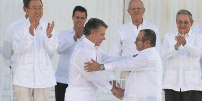 Gobierno y Farc firman la paz luego de 52 años