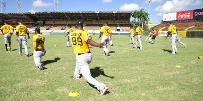 El lanzador Samuel Deduno presente campamento de las Águilas Cibaeñas