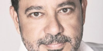 Francis Cruz celebra  22 años en las tablas