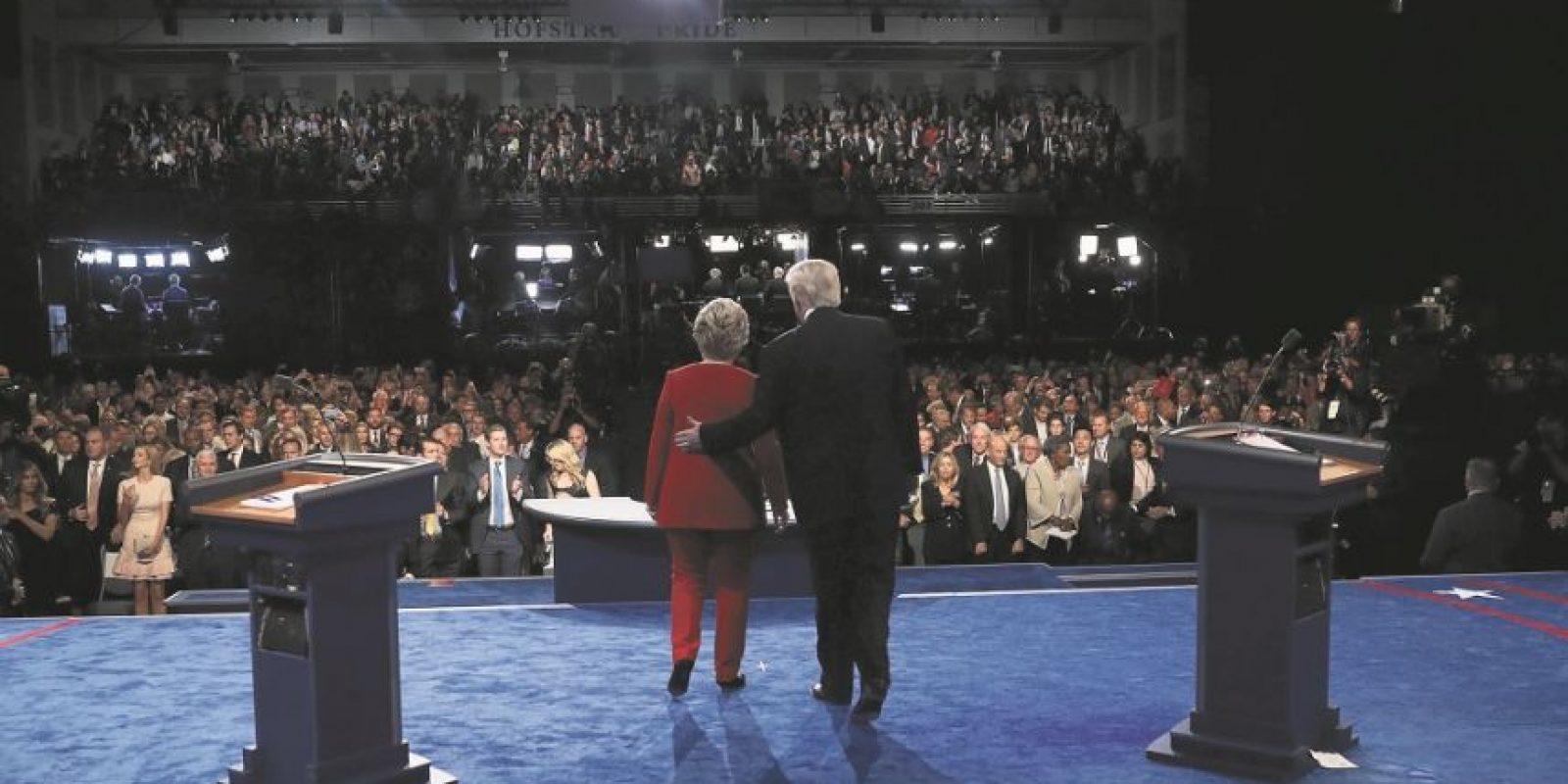 Hillary Clinton y Donald Trump el lunes por la noche, en el primero de tres debates programados. Foto:Getty