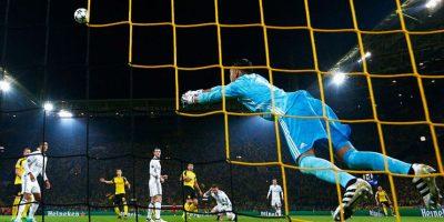 La decisión le costó caro al Real Madrid y provocó el primer gol de Borussia Dortmund. Foto:Getty Images