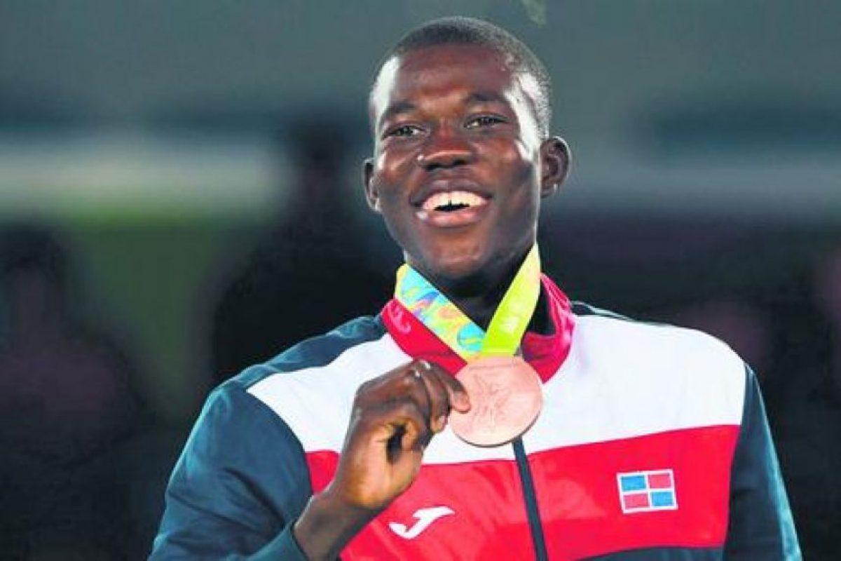 Luis Pie se baña de gloria en Río. Luis Pie escribió su nombre en la historia del deporte dominicano al conquistar la medalla de bronce en los 58 kilogramos del taekwondo de los Juegos Olímpicos de Río de Janeiro, siendo esta la séptima presea para el país en el máximo evento del deporte mundial. Foto:Fuente externa