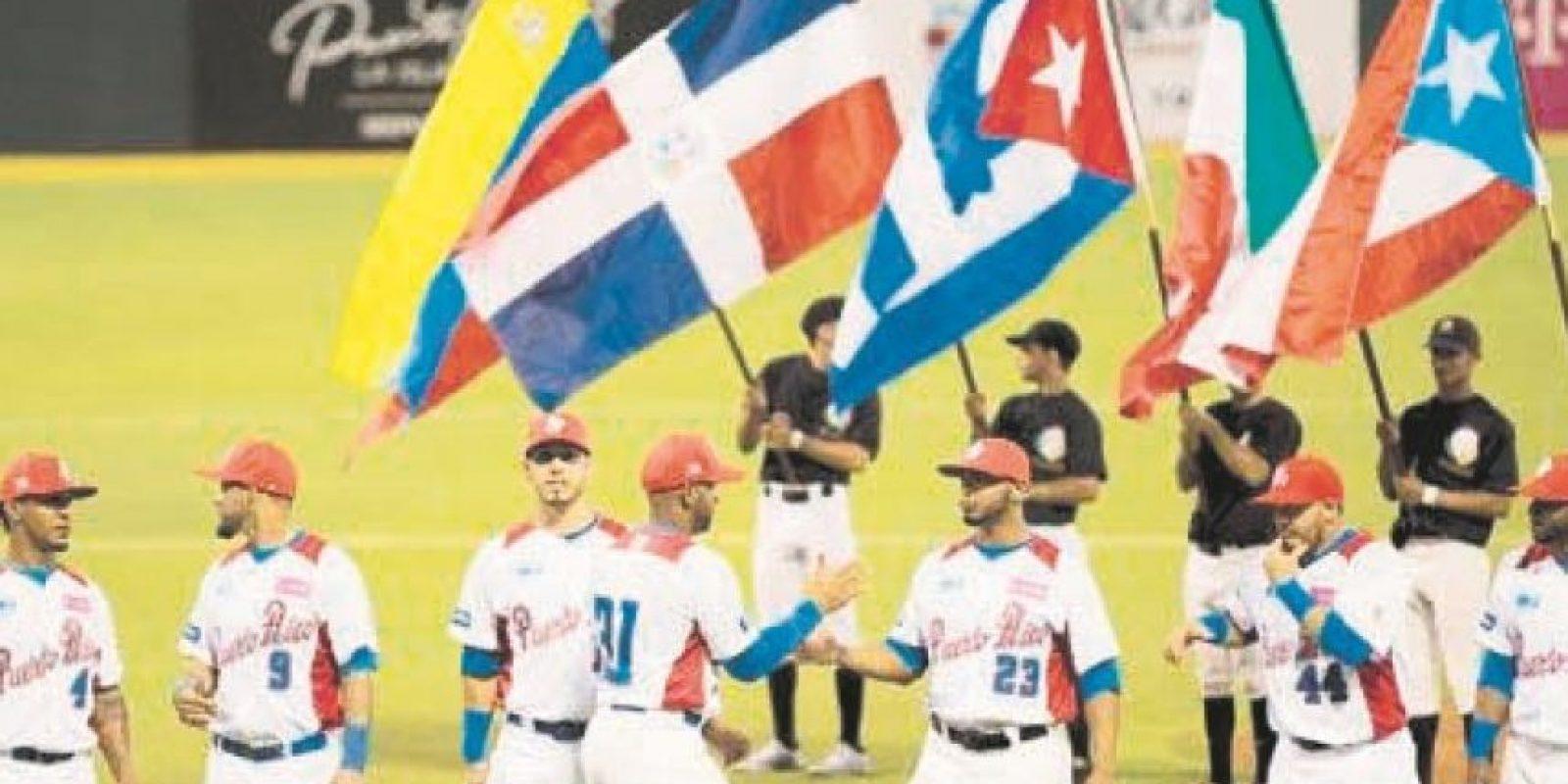 Serie del Caribe Santo Domingo La República Dominicana fue sede la sexagésima octava edición del torneo que reunió a los campeones de las ligas del béisbol de México (Venados de Mazatlán), Puerto Rico (Cangrejeros de Santurce), Venezuela (Tigres de Aragua), Cuba (Ciego de Avila) y Los Leones del Escogido, como locales. La mejor parte se la llevaron los Venados de Mazatlán que ganaron el evento. Foto:Fuente externa