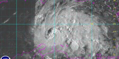 Cancelan varios vuelos en el Caribe por paso huracán Matthew