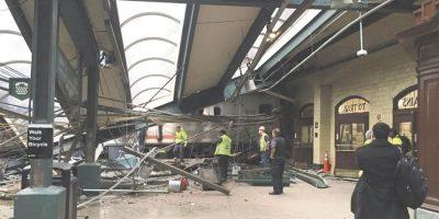 Tres muertos por descarrilamiento de tren en Nueva Jersey