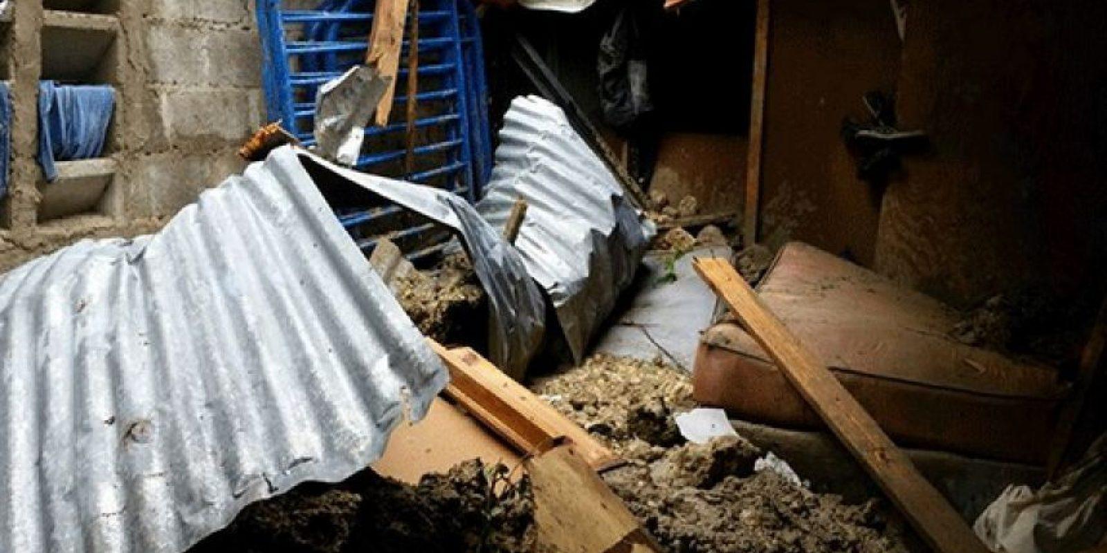 Un derrumbe de tierra en Capotillo, DN, provocó la muerte de una niña Foto:Twitter