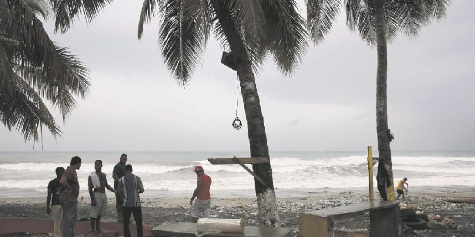 Las embarcaciones deben permanecer en puerto debido a vientos y olas anormales. Foto:ORLANDO BARRíA