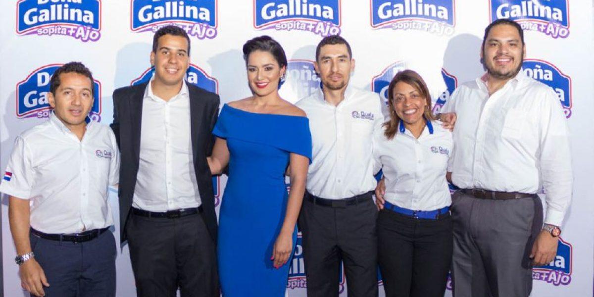 """Doña Gallina con nueva """"sopita"""" con ajo"""