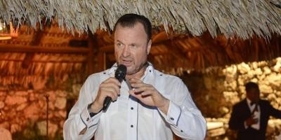 Crooner Gustavo de Hostos inaugura hoy el Fiesta Sunset Jazz