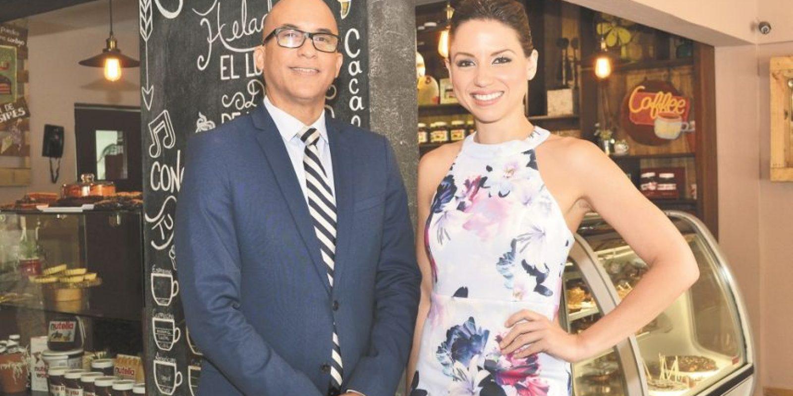 """Homero Figueroa y Lorenna Pierre, principales de """"Noticias AN7"""" . Foto:Mario de Peña"""