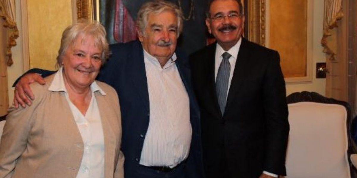 Danilo Medina recibe a Pepe Mujica en el Palacio Nacional