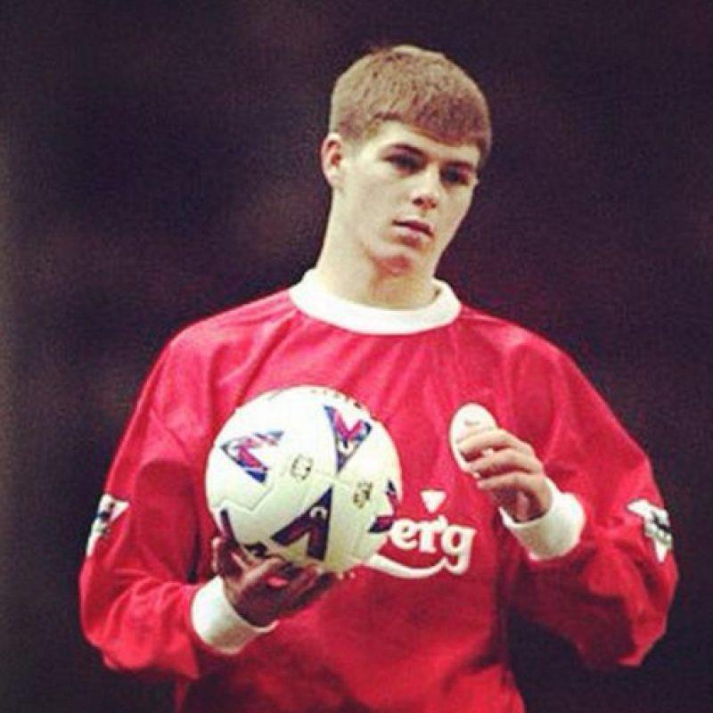 Así lucía Steven Gerrard cuando era joven