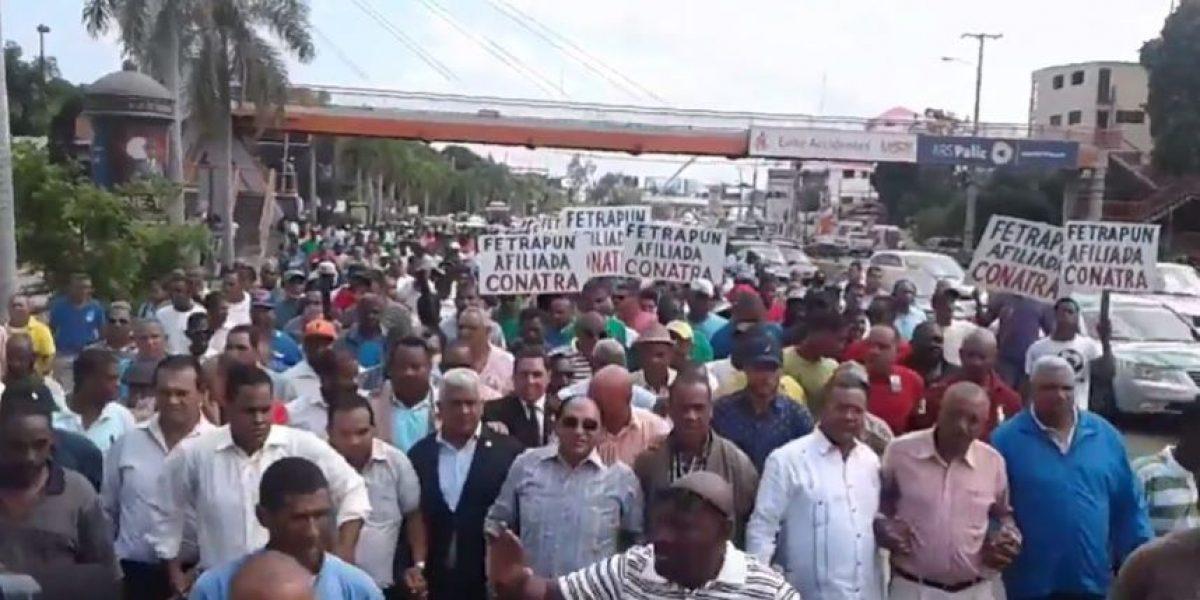 Choferes marchan al MIC en rechazo a eliminación del subsidio a combustibles
