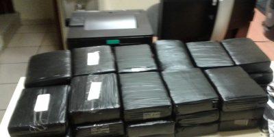 DNCD decomisa 103 paquetes de drogas y apresa a cuatro en capital y Santiago