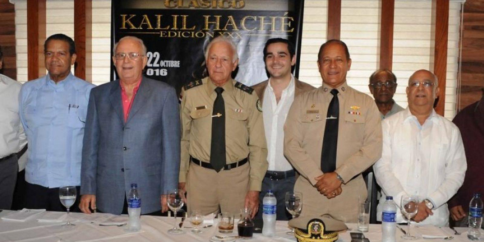 Kalil l Hache, junto a Manfred Codik, Oquendo Medina, Angel Contreras, Jacinto Díaz Hache y el vice almirante Juan Ramón Soto de la Rosa en la rueda de prensa. Foto:Fuente externa